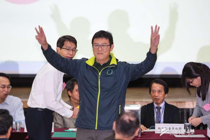 20181019-民進黨台北市長參選人姚文智19日至台北市選委會抽選舉號次,抽中3號。(顏麟宇攝)