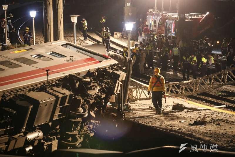 台鐵普悠瑪列車發生翻覆造成重大傷亡,馬英九要負責?(陳品佑攝)