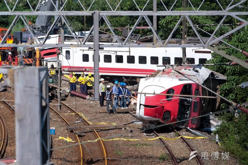 20181022-台鐵普悠瑪翻車事故,宜蘭蘇澳新馬車站,車頭第八節車廂。(顏麟宇攝)