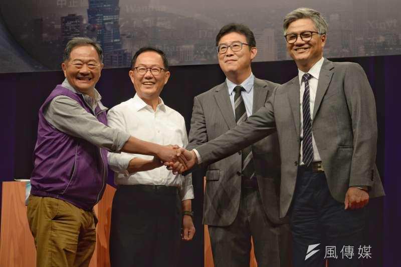 台北市長選舉辯論會4日於TVBS登場,5位候選人唯獨台北市長柯文哲缺席。(甘岱民攝)