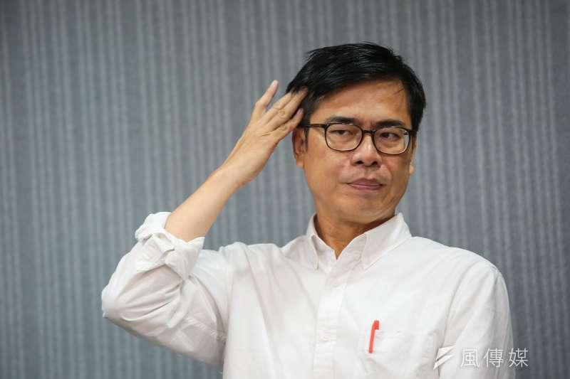 民進黨高雄市長候選人陳其邁批評對手韓國瑜,就像在廟口擺攤的郎中,「沒有真材實料還標示不清」。(資料照,顏麟宇攝)
