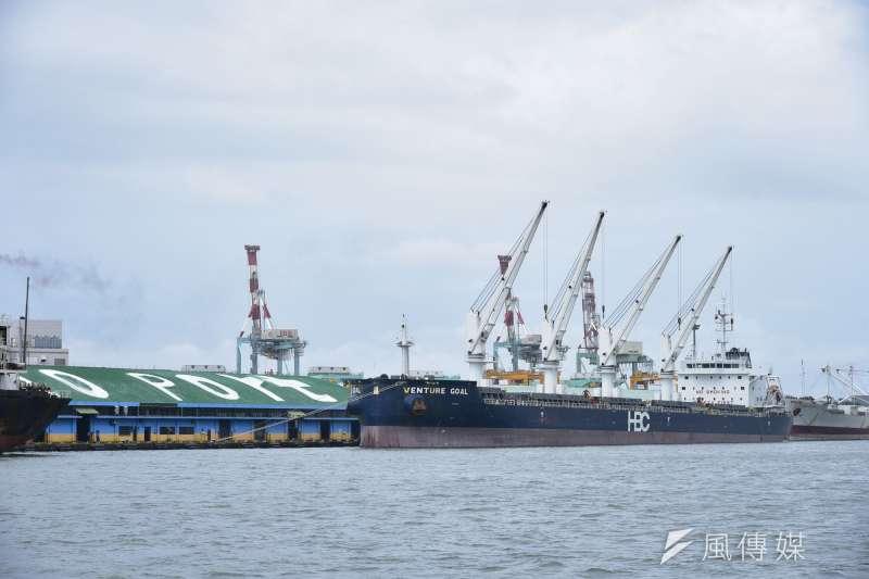 高雄港整體營運績效亮眼,可望自103年起連續5年成為千萬TEU大港。(圖/徐炳文攝)