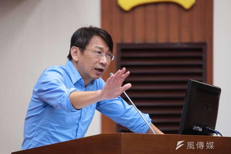 時代力量立委徐永明去年曾提出慶富案的專案報告會議,民進黨立委依程序表決封殺。(顏麟宇攝)