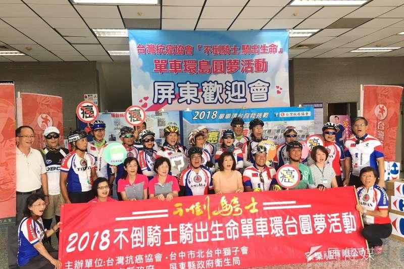 台灣抗癌協會理事長吳興傳自100年開始號召癌友舉辦「不倒騎士活動」,今年已邁入第8屆。(圖/徐炳文攝)