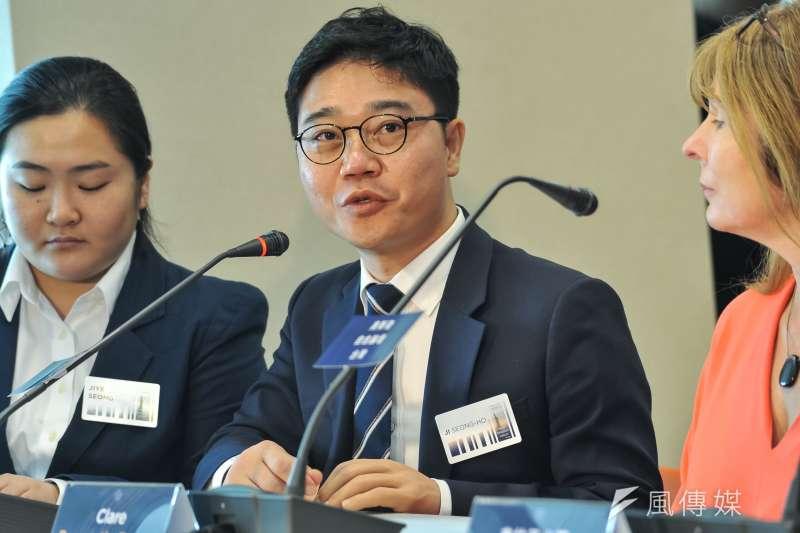 20181109-奧斯陸自由論壇記者會,脫北者池成鎬。(甘岱民攝)