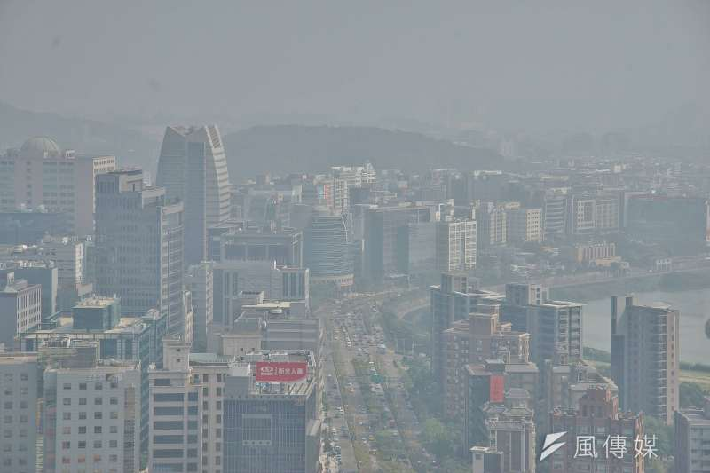 因春季盛行風向轉變,未來3日的空氣品質將下降,台中市政府也對市民發布預警,並宣布相關因應措施。示意圖。(資料照,盧逸峰攝)