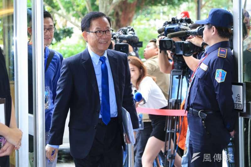20181110-台北市長參選人丁守中出席參加公視電視辯論。(簡必丞攝)