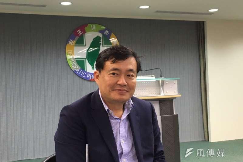 目前六都有四都由民進黨執政,民進黨秘書長洪耀福說,台中選情穩定,這些都會守住;而嘉義市穩定,彰化「膠著略帶穩定」。(周思宇攝)