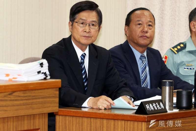 針對國民黨高雄市長候選人韓國瑜在造勢現場和支持者高唱軍歌《夜襲》,國防部長嚴德發表達尊重。(蘇仲泓攝)