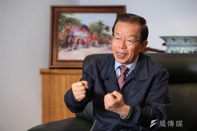 關西機場事件痛失一位外交官,駐日代表謝長廷追打假新聞却有理說不清。(顏麟宇攝)