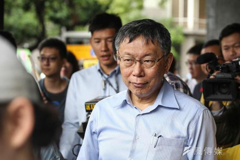 台北市長柯文哲18日被問到有關金馬獎上的統獨爭議時表示,反正兩岸沒什麼互信,「中國就是有機會就吃吃我們豆腐、佔我們便宜」。(資料照,陳品佑攝)