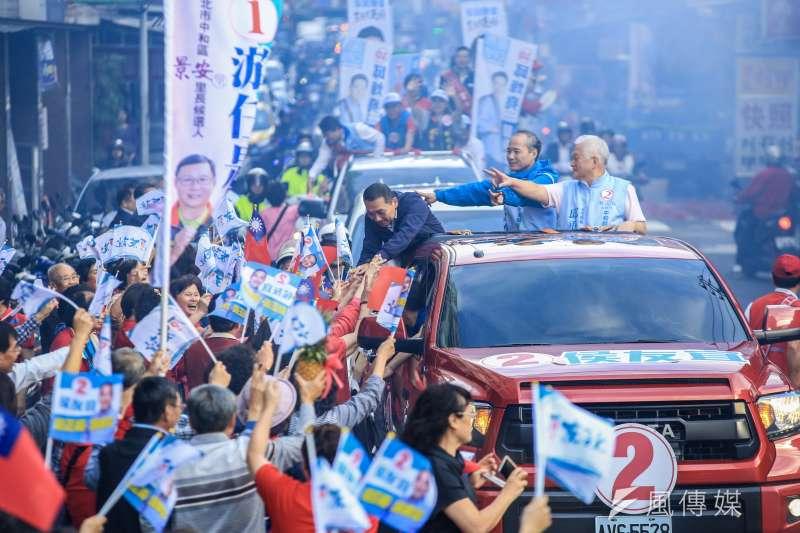 20181117-中國國民黨新北市長候選人侯友宜中和車隊掃街。(簡必丞攝)