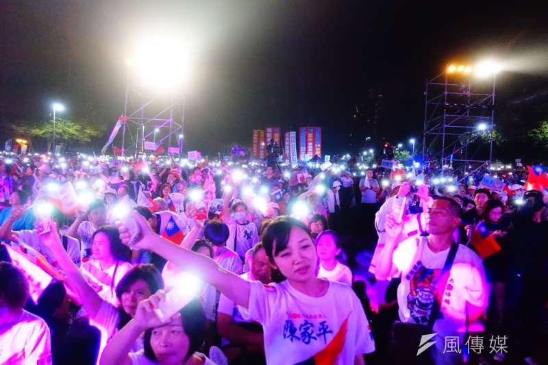 2018年11月18日,國民黨在嘉義市舉辦「翻轉雲嘉嘉南」團結勝選晚會(羅暐智攝)