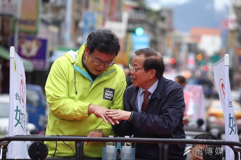 20181119-駐日代表謝長廷陪同台北市長候選人姚文智車隊掃街拜票(陳品佑攝)