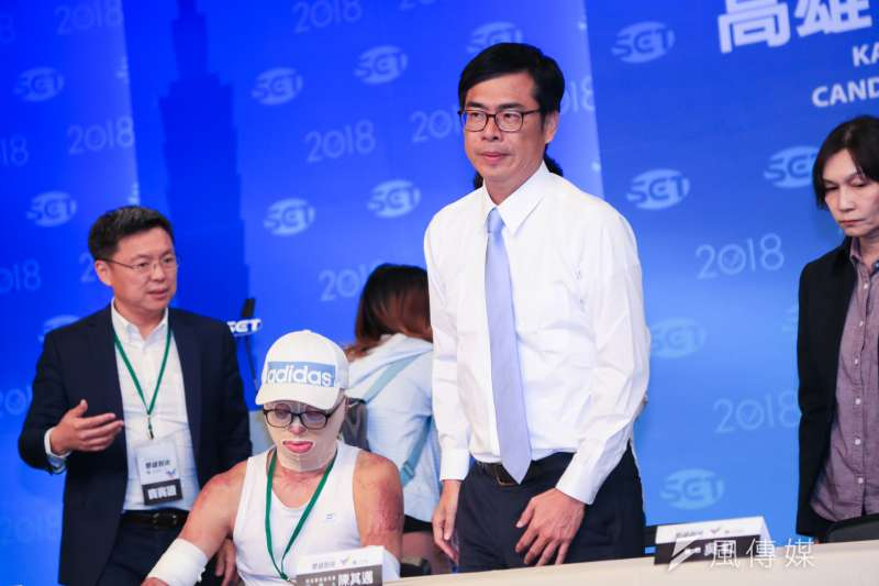 20181119-高雄市長候選人韓國瑜、陳其邁19日於三立電視台舉辦辯論會。(簡必丞攝)