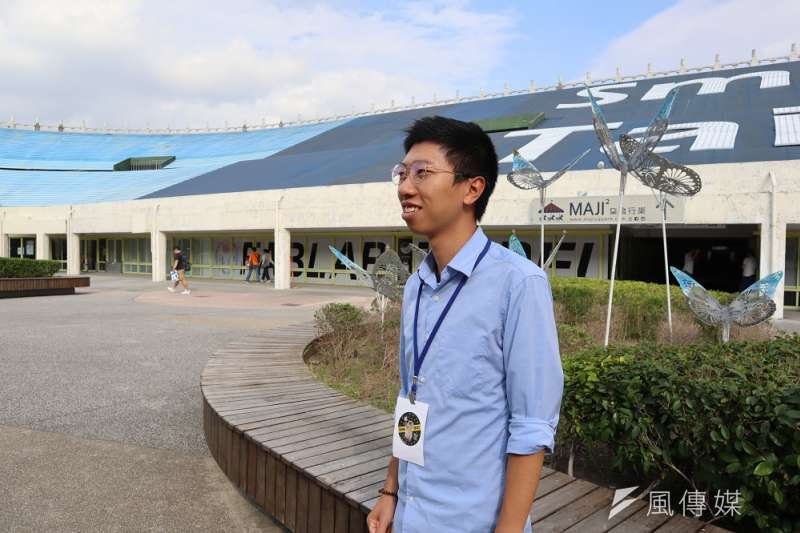 香港新創公司「橙色製作室」共同創辦人馮廣照,發明手機應用程式「i SEE Mobile」,協助視障者。(蔡娪嫣攝)