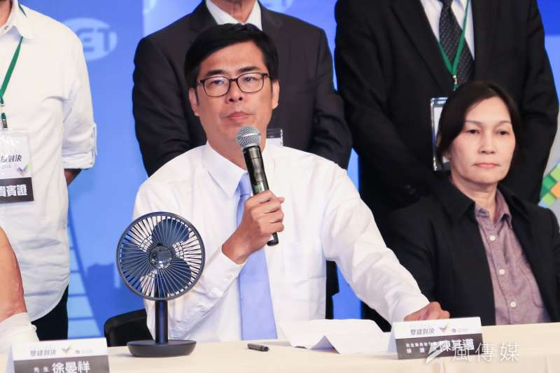 20181119-高雄市長候選人韓國瑜、陳其邁今(19)日參加辯論會。(簡必丞攝)
