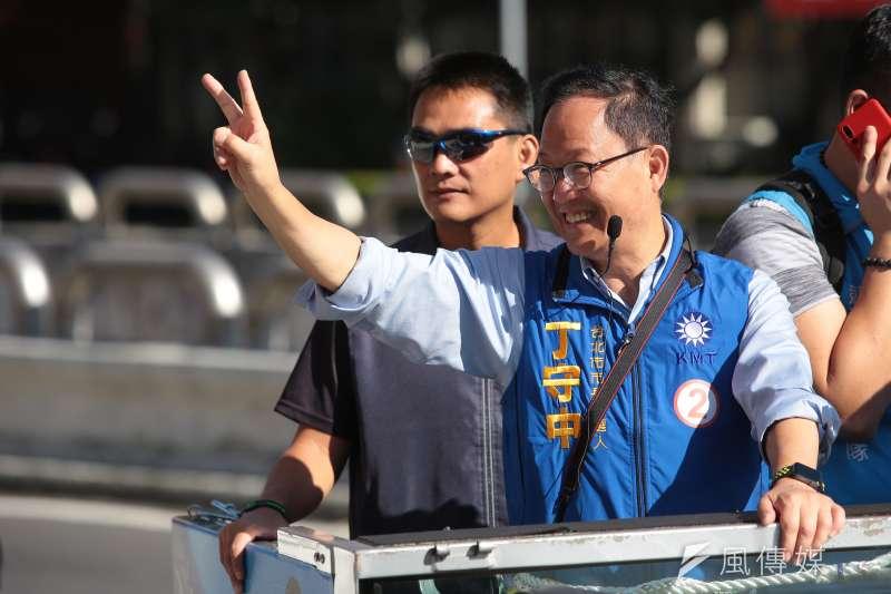 20181121-國民黨台北市長候選人丁守中21日於中正、萬華區進行車隊掃街。(顏麟宇攝)