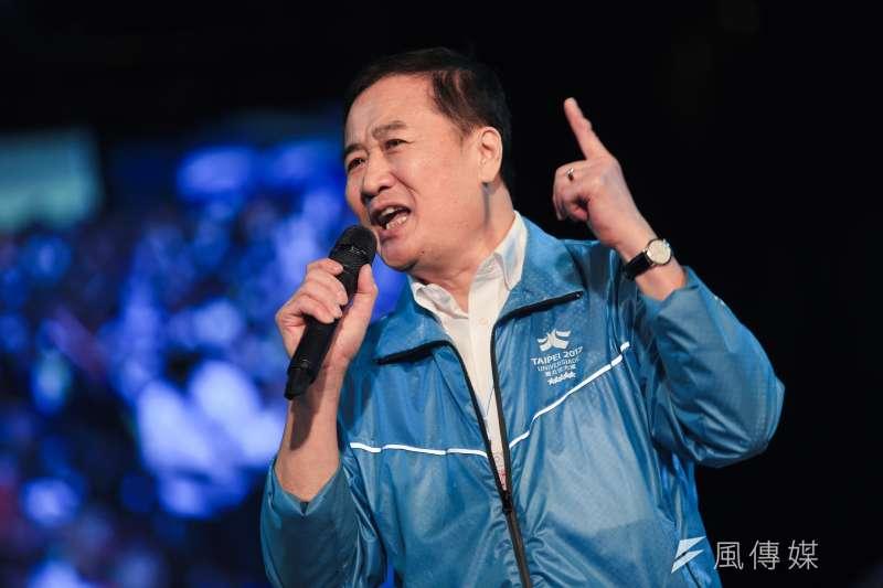 台北市長柯文哲在四四南村的選前之夜,台北市副市長陳景峻到場助講。(簡必丞攝)