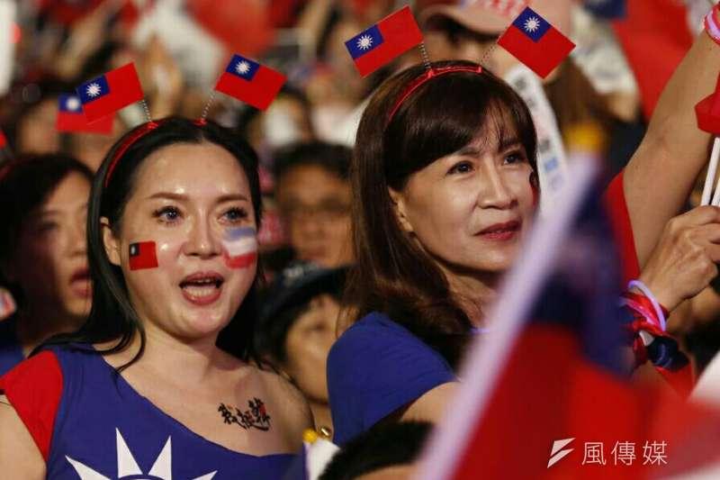 經過九合一選舉,國民黨的支持度明顯超越民進黨,圖為國民黨籍高雄市長韓國瑜造勢晚會。(新新聞林瑞慶攝)