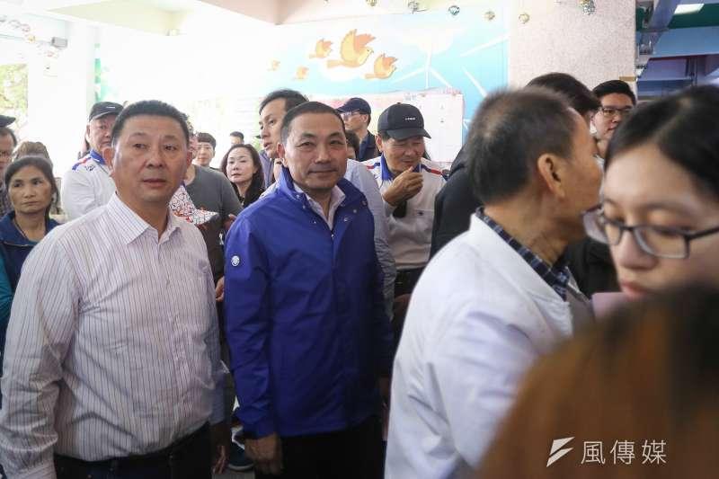 20181124-國民黨新北市長候選人侯友宜赴投票所投票。(陳品佑攝)