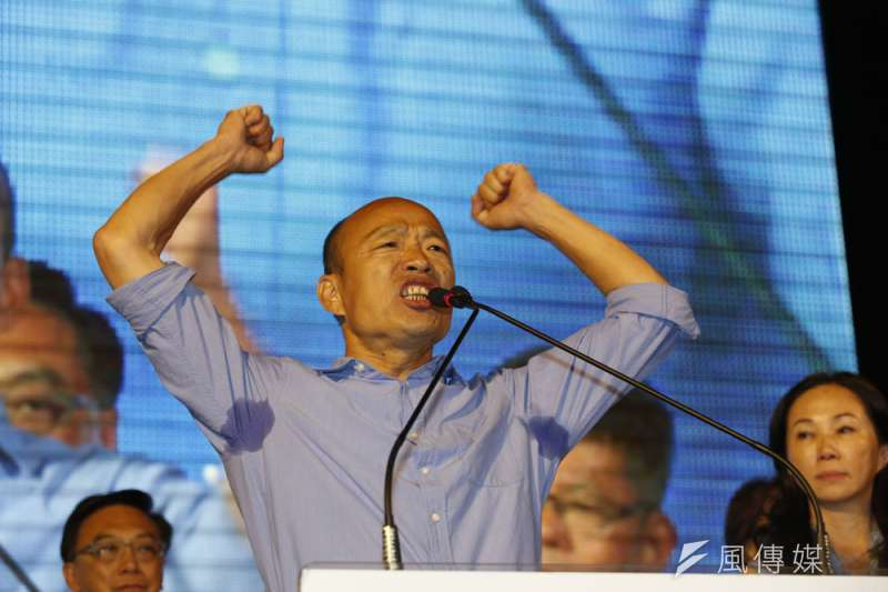 非典型藍的韓國瑜,得到了國民黨最缺的文宣空戰優勢。(郭晉瑋攝)