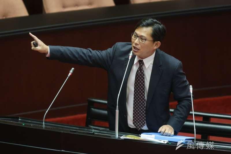 前總統馬英九說「太陽花學運害死台灣」,時代力量立委黃國昌(見圖)回應,馬毀憲亂政才是真正害台。(資料照,顏麟宇攝)