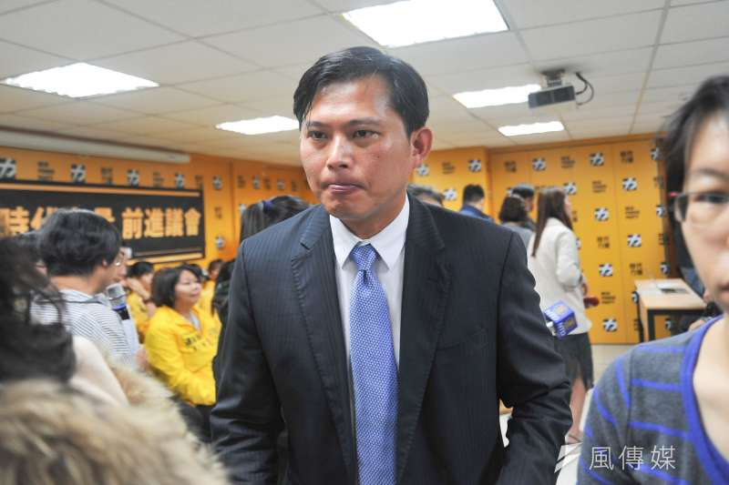 被問及立委補選,時代力量黨主席黃國昌28日表示黨內尚未討論,但時力未來將走自己的路。(甘岱民攝)