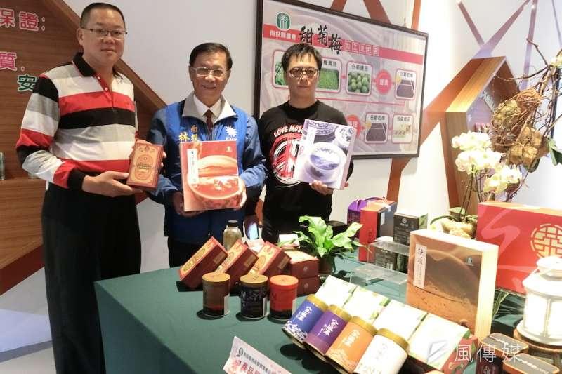 杭州採購南投縣各農會產品28日裝櫃,縣長林明溱表示,將聯合各農會持續將南投縣的農特產行銷國際。(圖/記者王秀禾攝)
