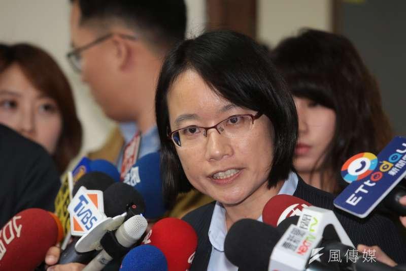 北農總經理吳音寧29日受訪表示,不會向不實的謊言低頭,自己的個人去留由北農下午的董事會決議。(顏麟宇攝)