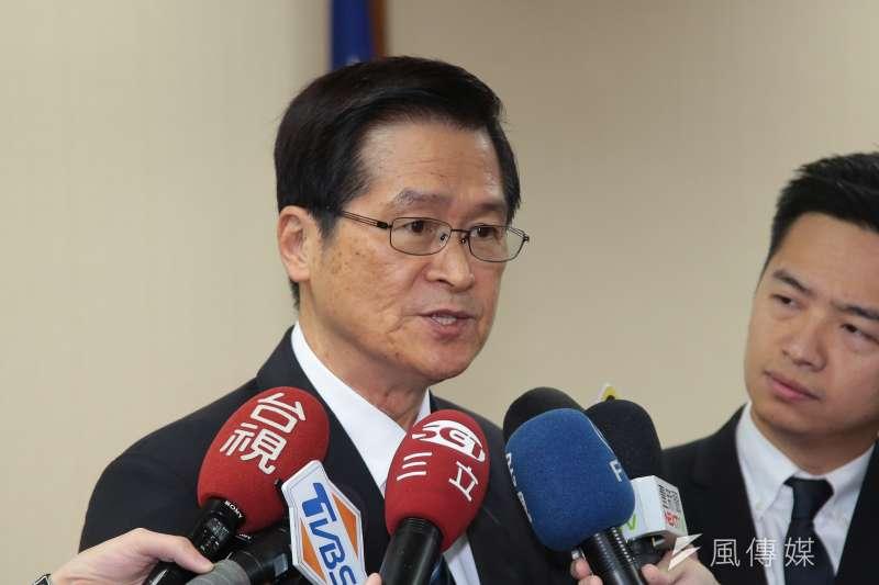 20181129-國防部長嚴德發29日於國防委員會接受媒體聯訪。(顏麟宇攝)