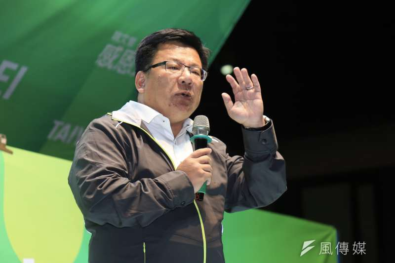 20181130-民進黨立委李俊俋在台北市長候選人姚文智「感恩之夜」音樂會上呼籲,雖然選舉結果不如人願,但市民仍要給「拚生拚死」的姚文智最大的溫暖。(簡必丞攝)