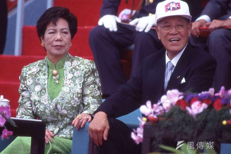 前總統李登輝。左為夫人曾文惠。(新新聞資料照)