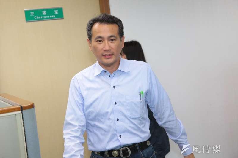 20181205-民進黨立委鄭運鵬5日出席民進黨中執會。(顏麟宇攝)