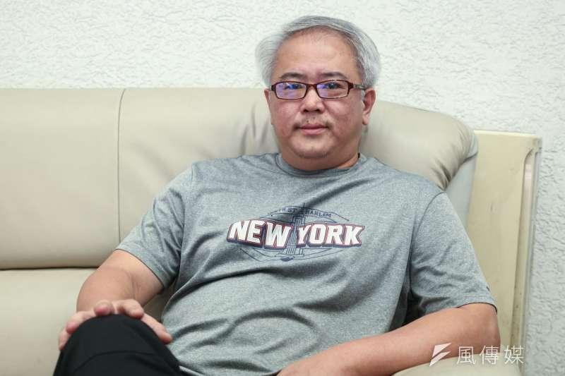 正在籌備製作《國際橋牌社》的導演汪怡昕,從4年前就開始做挖掘台灣歷史記憶的IP計畫。(蔡親傑攝)