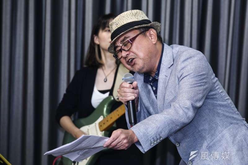 作者說,真好,有陳昇,讓他沉寂了近十年的靈魂現在終於可以跳出來,扭一扭、哭一哭。(資料照,蔡親傑攝)