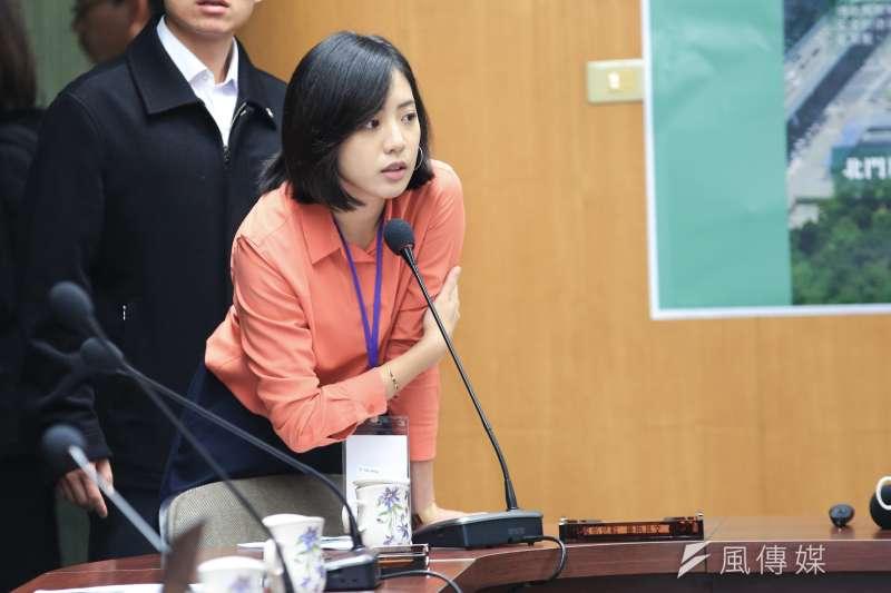 台北市長柯文哲幕僚學姐黃瀞瑩一句統獨是假議題,惹來不少批評。(簡必丞攝)