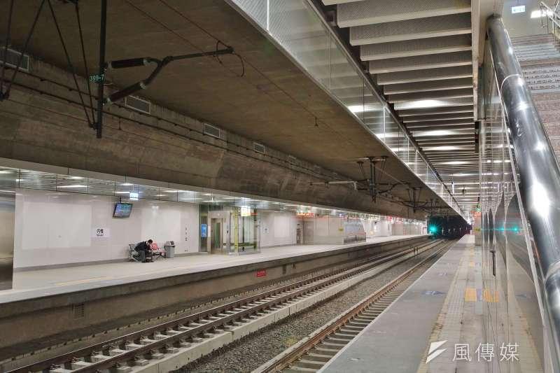 針對高雄鐵路地下化廢氣檢測採樣,台鐵產業工會24日指控台鐵局,逕自刪除採樣計畫中6採樣項目。圖為地下化路段中的內惟車站。(盧逸峰攝)
