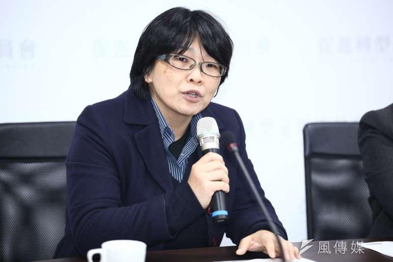 20181217-「促進轉型正義委員會半年任務進度報告」記者會。圖為葉虹靈委員。(蔡親傑攝)