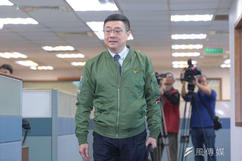 民進黨主席參選人、行政院秘書長卓榮泰19日表示,「我不會做弱勢,但是我一定不會做弱智。」(顏麟宇攝)