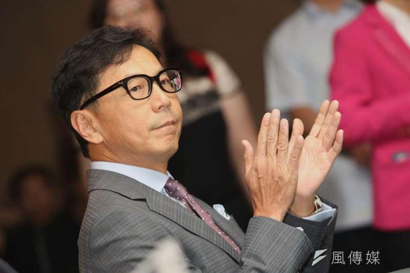 蔡明忠認為,未來不應由稅務出身的人擔任財政部長。(郭晉瑋攝)