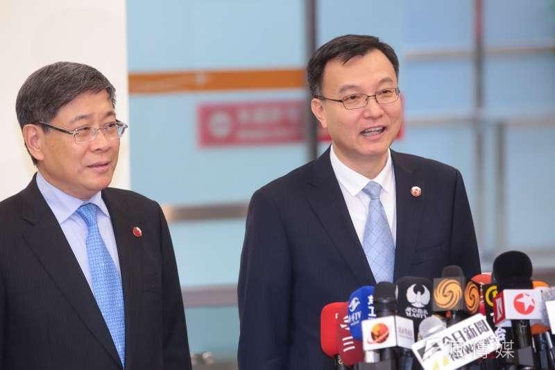20181219-雙城論壇上海市代表副市長周波及訪問團成員19日午前抵達台北松山機場,並於機場發表簡短談話。(顏麟宇攝)