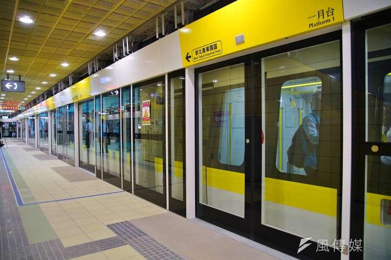 交通部今(28)日拍板敲定台北捷運環狀線將在明年1月5日辦理履勘作業,象徵離通車又更近了一步。圖為環狀線大坪林站月台一景。(資料照,盧逸峰攝)
