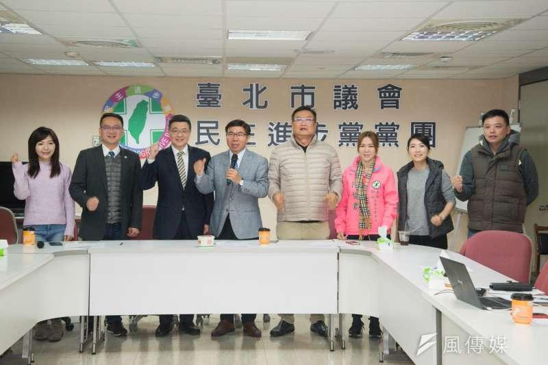 20181224-民進黨黨主席補選候選人卓榮泰拜會台北市議會民進黨團。(甘岱民攝)