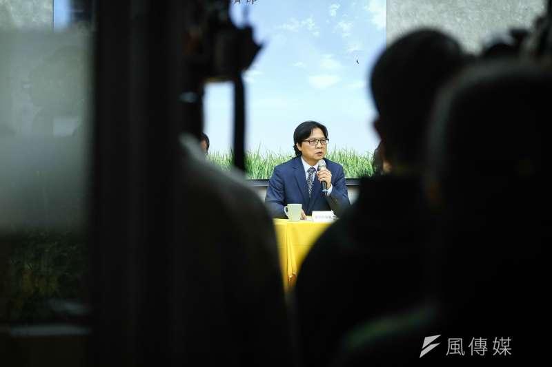 儘管面對排山倒海的政治壓力,葉俊榮最終還是決定掛冠讓管中閔就任台大校長,終結一年的紛擾。(陳品佑攝)