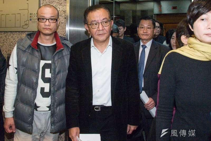 20181227-民進黨立委高志鵬被判貪污圖利罪定讞,27日表示將會採取一切爭取清白的途徑。(甘岱民攝)