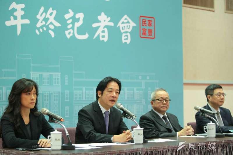 20181228_行政院年終記者會,行政院長賴清德(左二)。(顏麟宇攝)