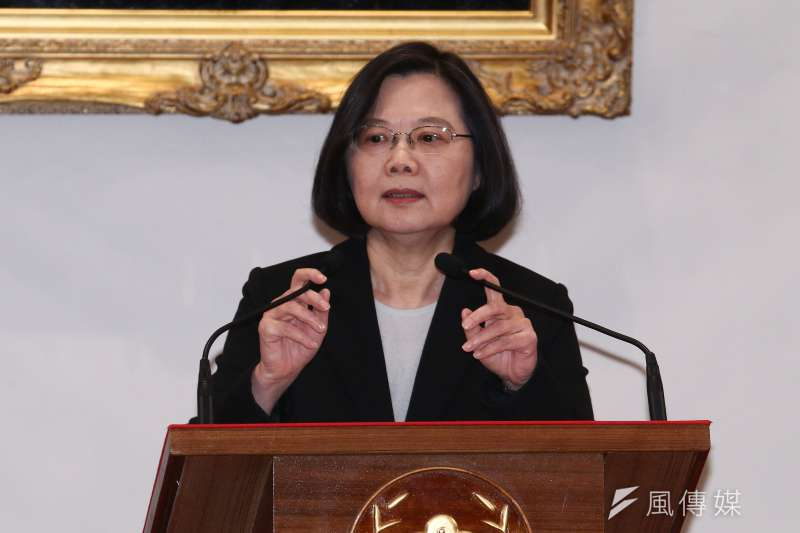 「一位說不出『一中就是中華民國』的中華民國總統,也不敢以『台灣總統』名義宣布台灣獨立,召開國際記者會除了發牢騷,仍是徒留沒有答案的文青問卷。」(資料照,蔡親傑攝)