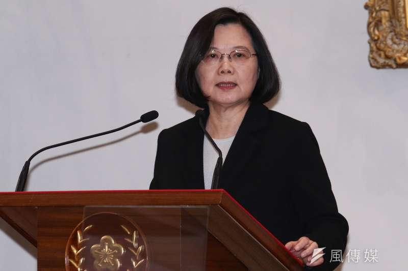 總統蔡英文2日下午於總統府回應中國國家主席習近平發表的談話。(蔡親傑攝)