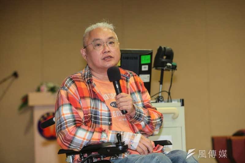 去年搭公車時因重摔導致重傷,廣告導演范可欽4日召開記者會說明病情。(顏麟宇攝)